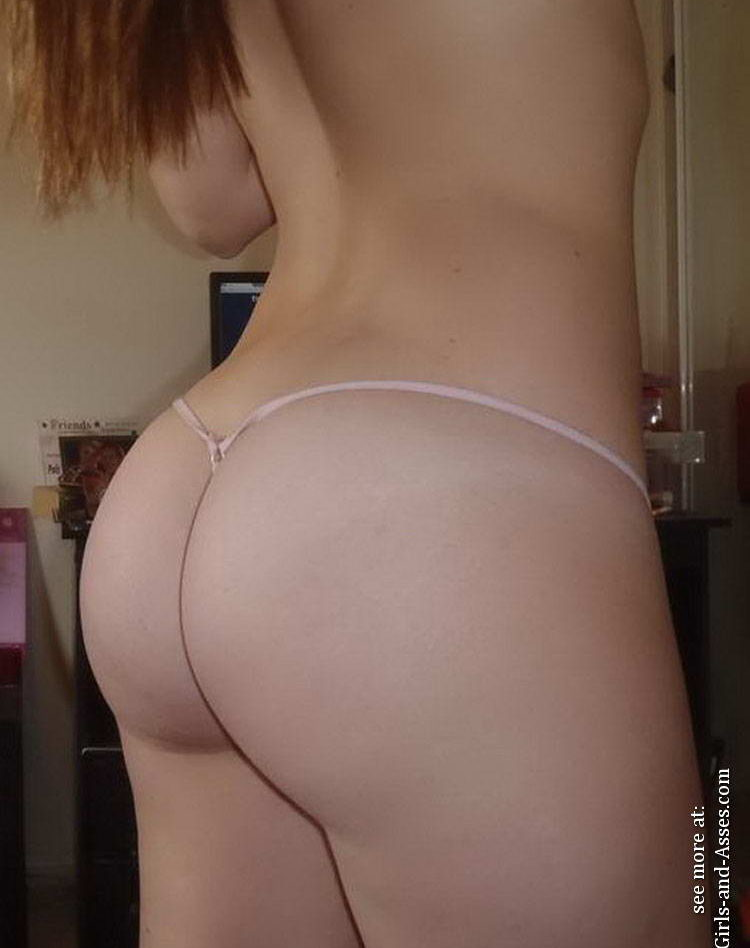 Casual girls nude ass 01821