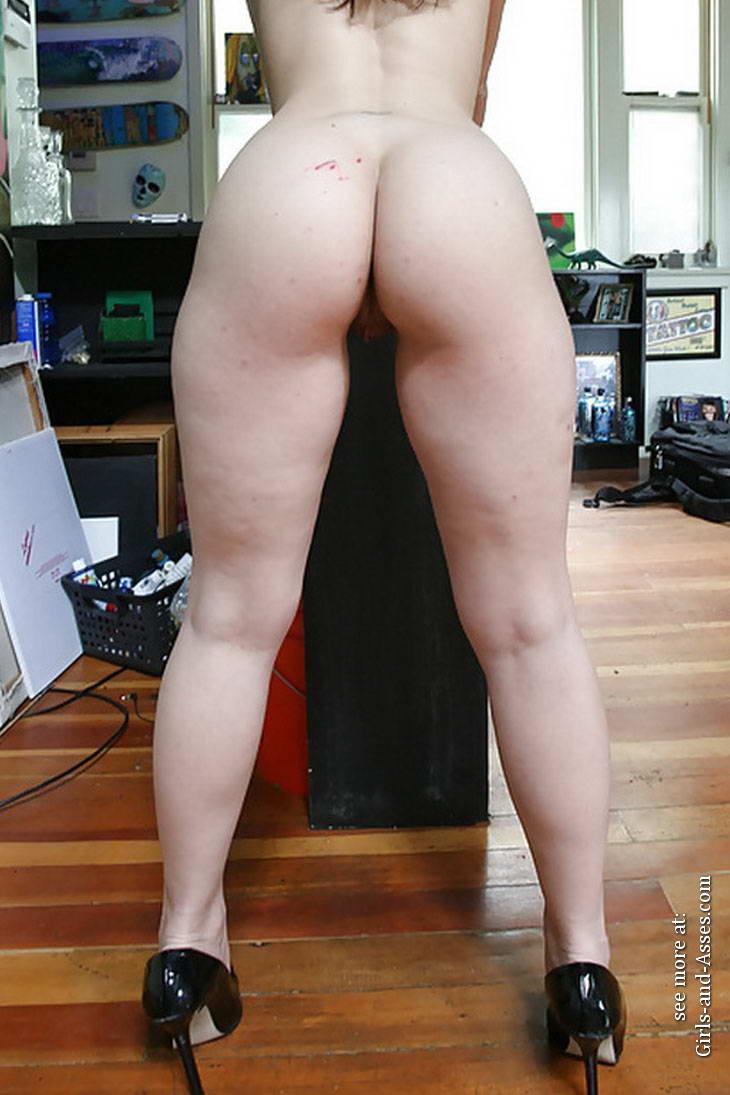 casual girls nude ass 02300
