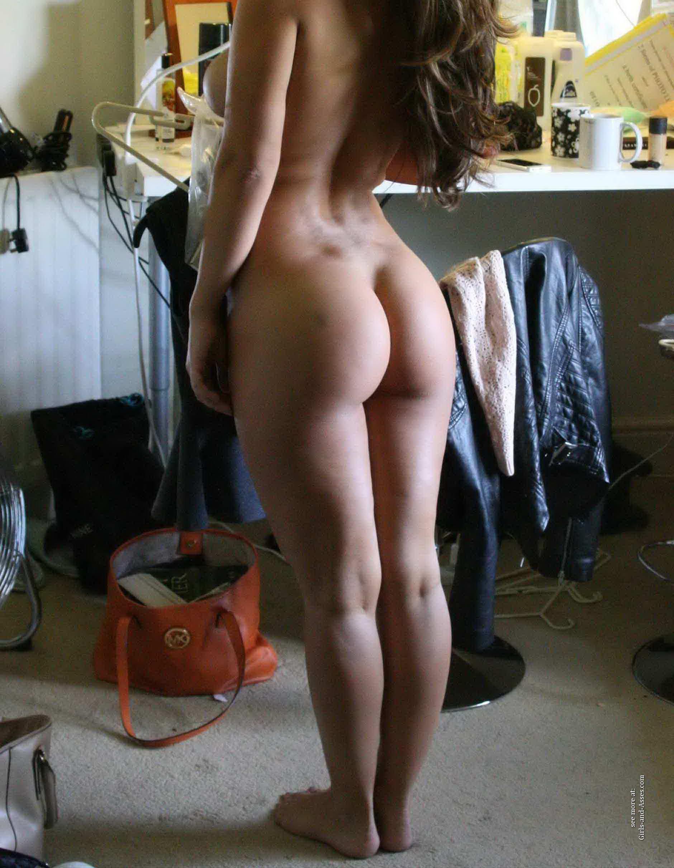casual girls nude ass 03412