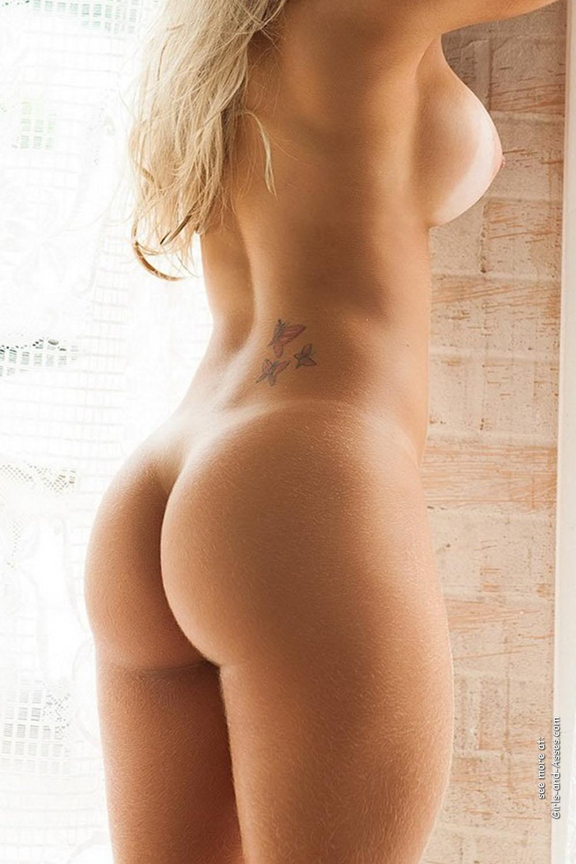 beautiful naked ass 00130