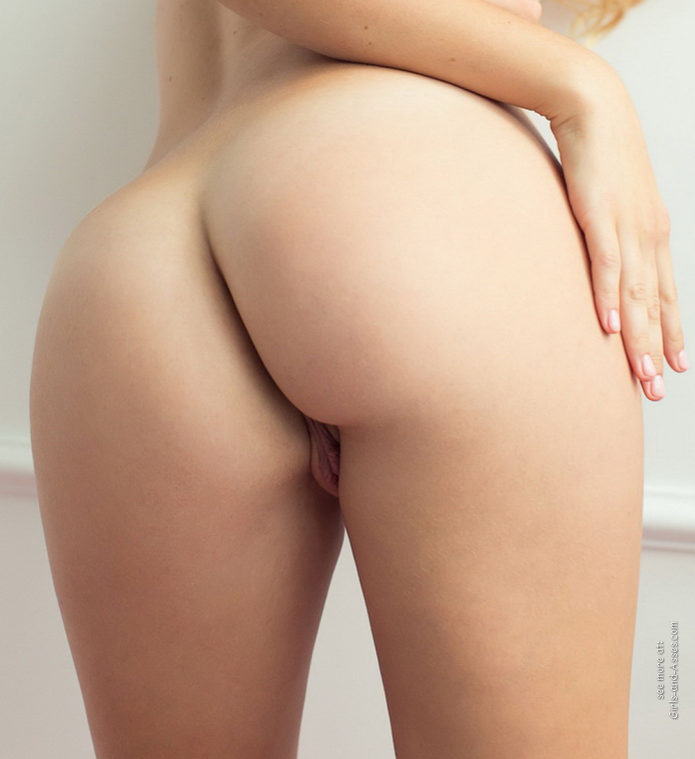 girl with sweet butt 01036