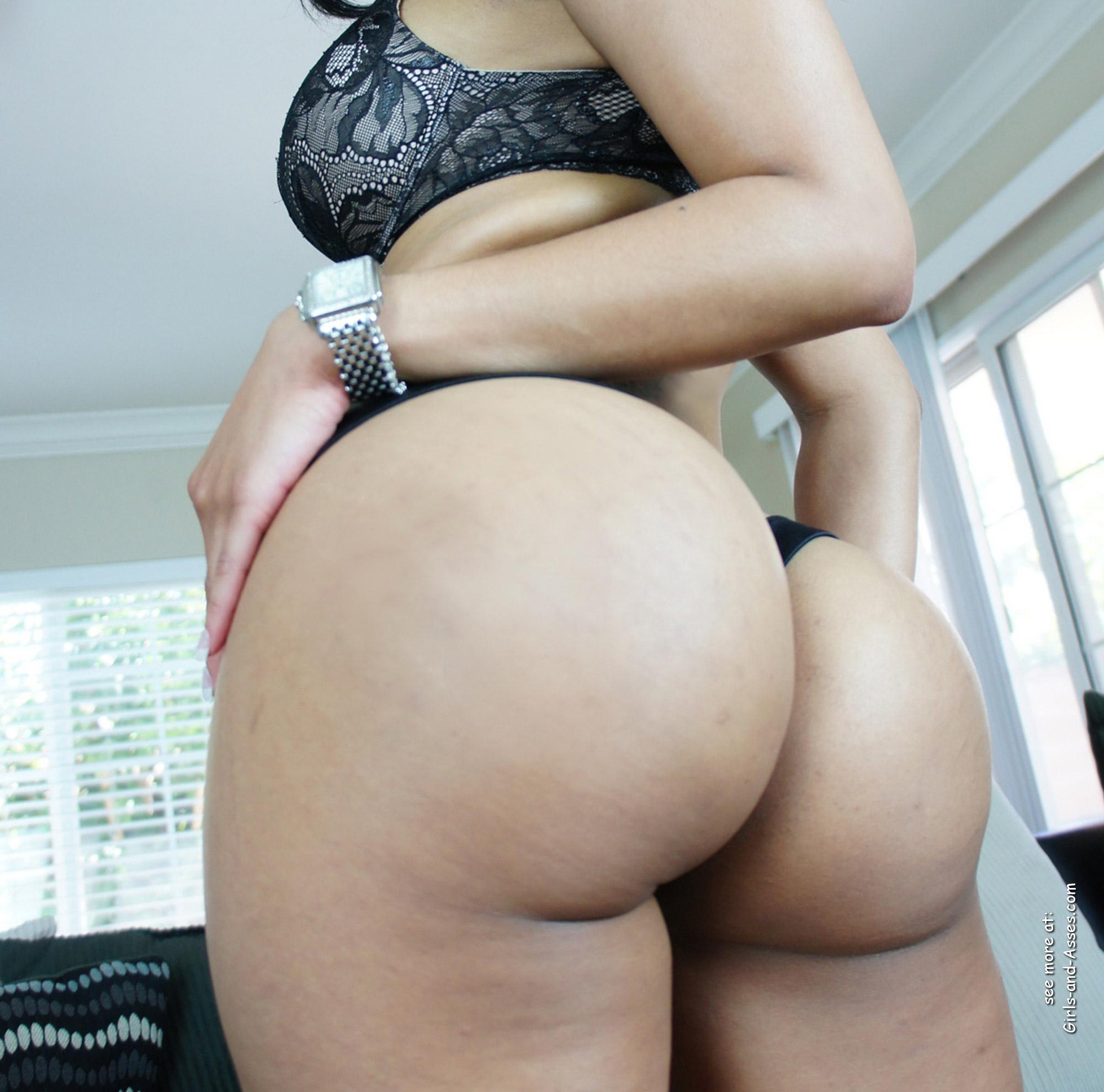 big assed naked brazilian babe photo 00529