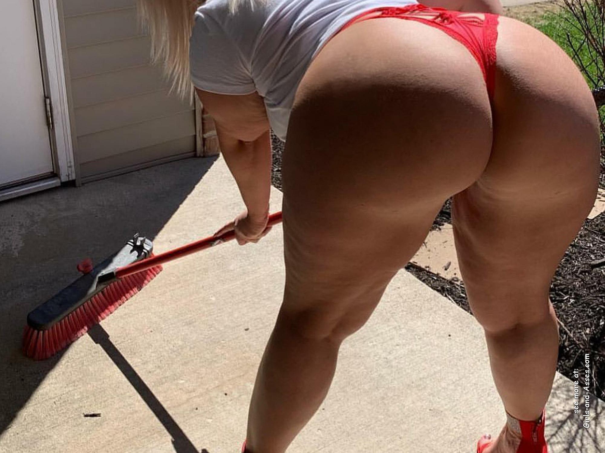 big assed naked brazilian babe photo 01455