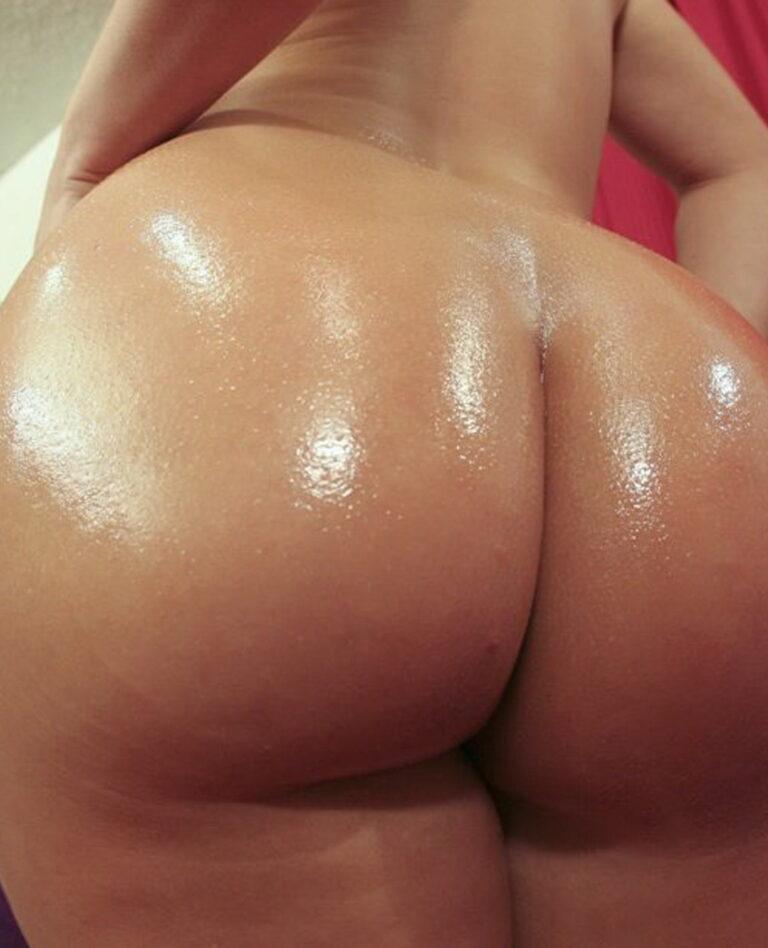 Big assed naked brazilian babe photo 02757