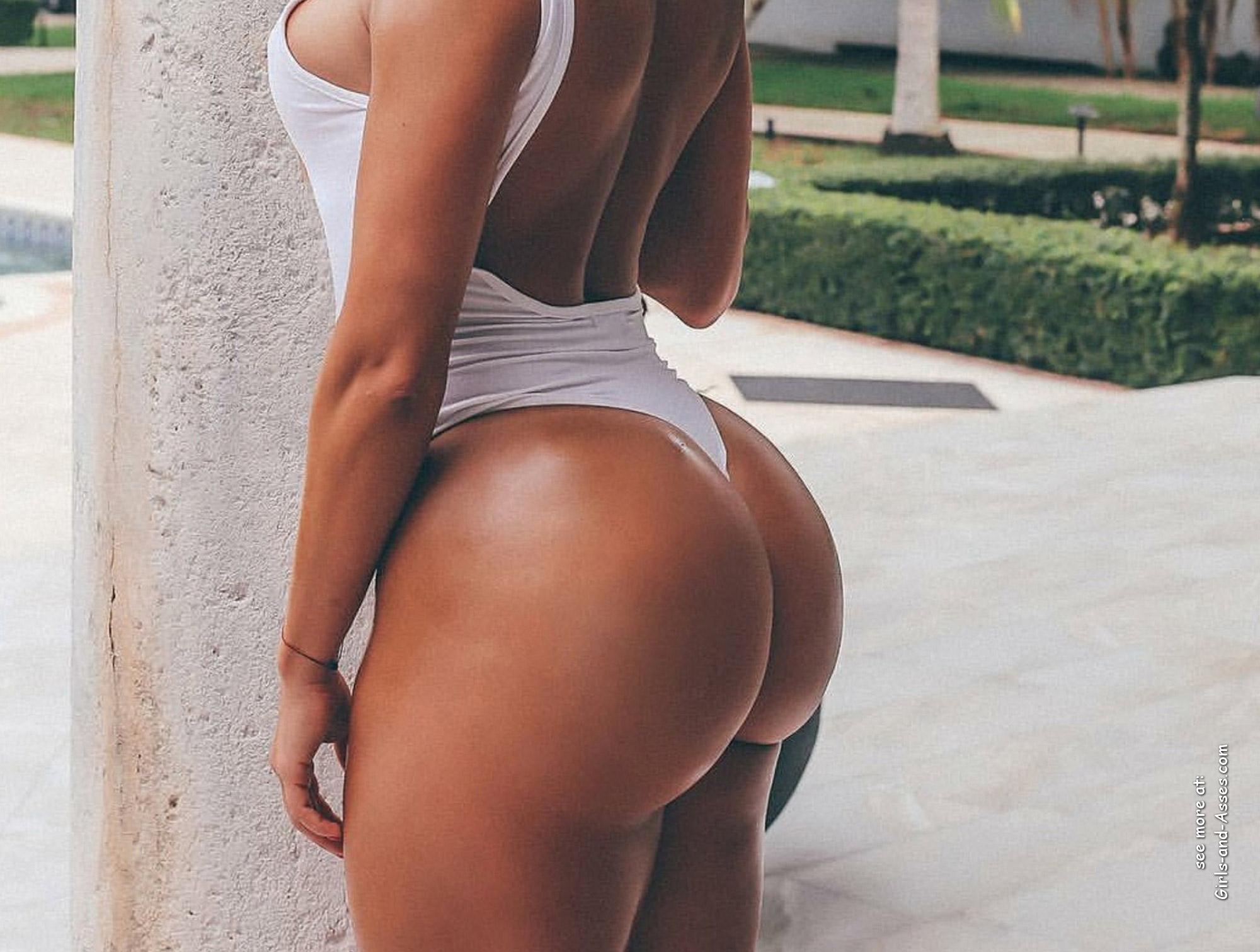 big assed naked brazilian babe photo 04247