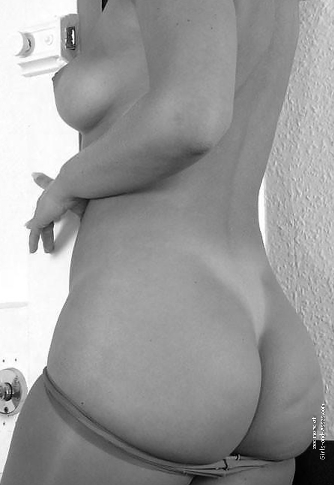 naked mom ass picture 03240