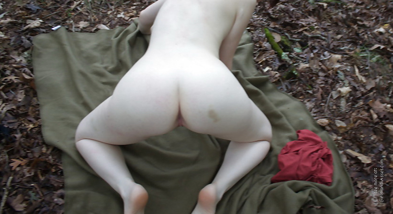 naked girl in doggystyle position in the forest photo 00748