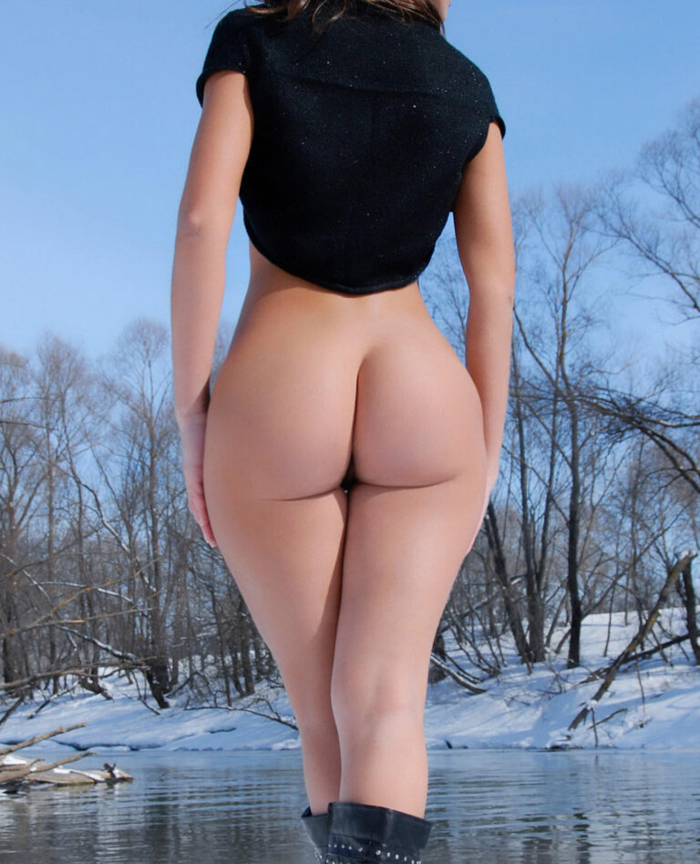 Winter and snow and outdoor freezing naked girl with delicious ass 00255