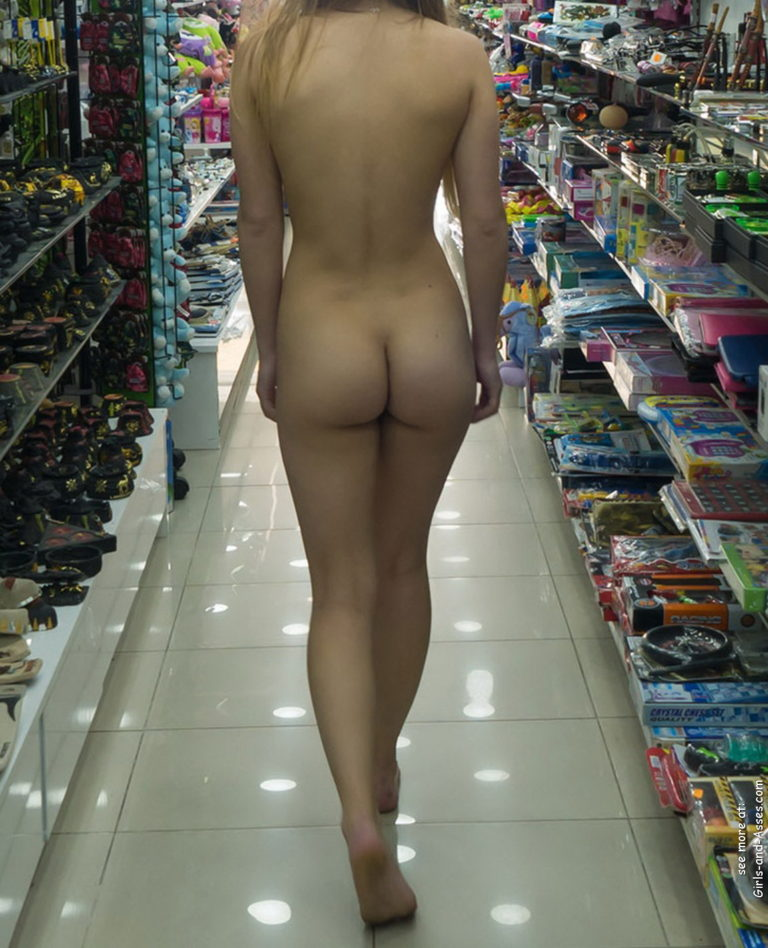 Nude shopping photo girl shows ass in store 01647