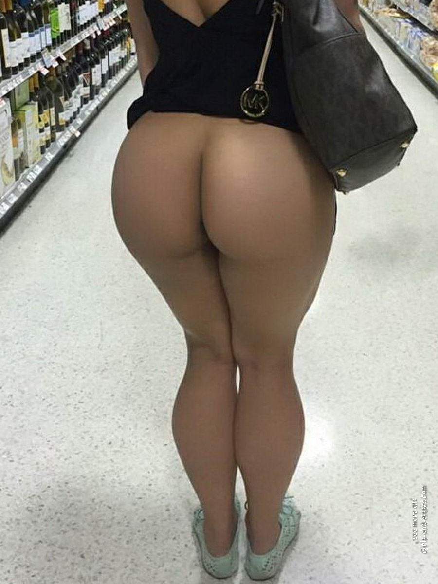nude shopping photo girl shows ass in store 02101
