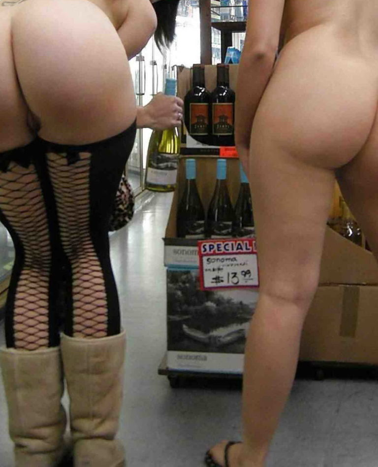 Nude shopping photo girl shows ass in store 04221