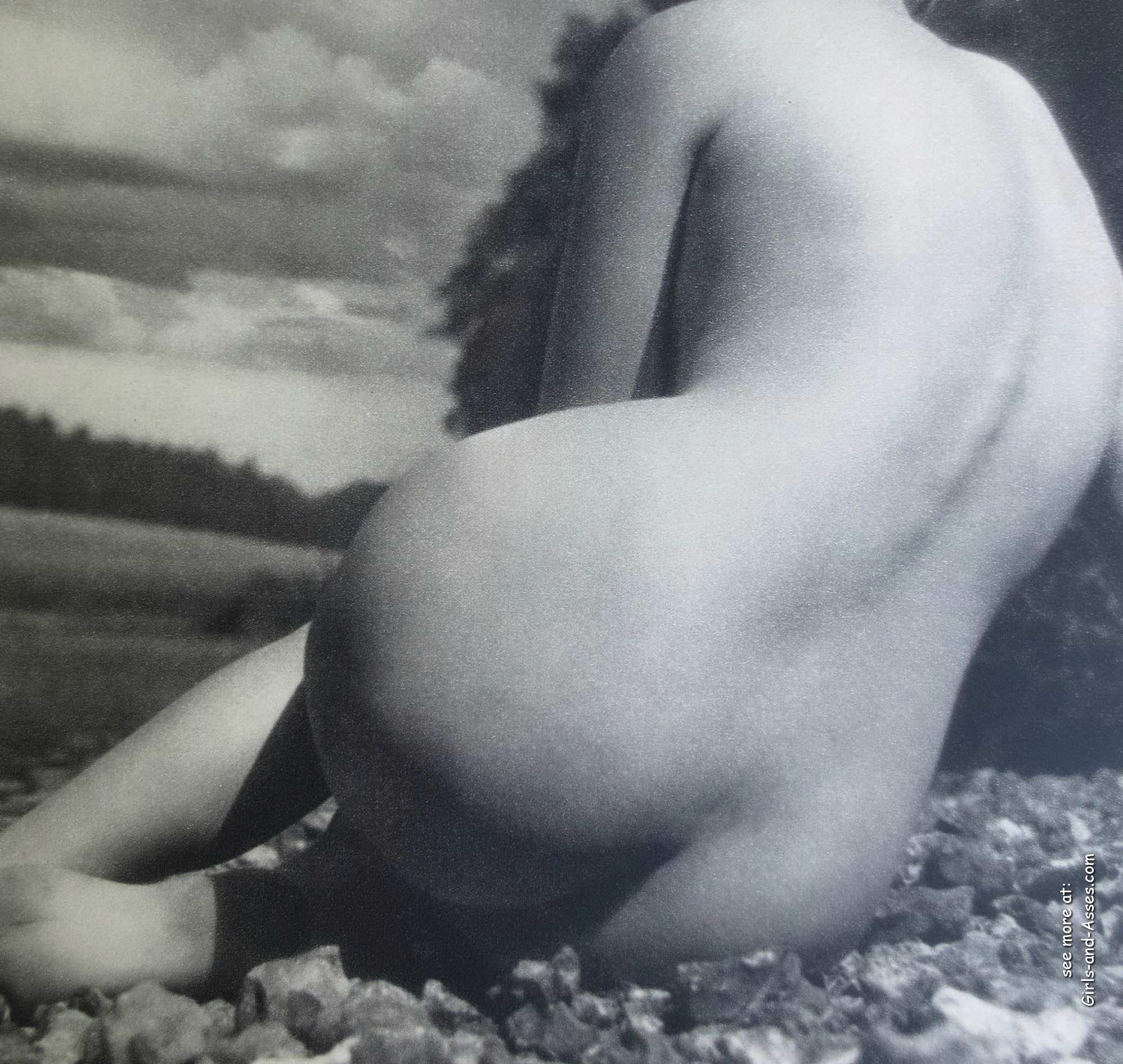 amatuer nude girl at the beach photography 01025