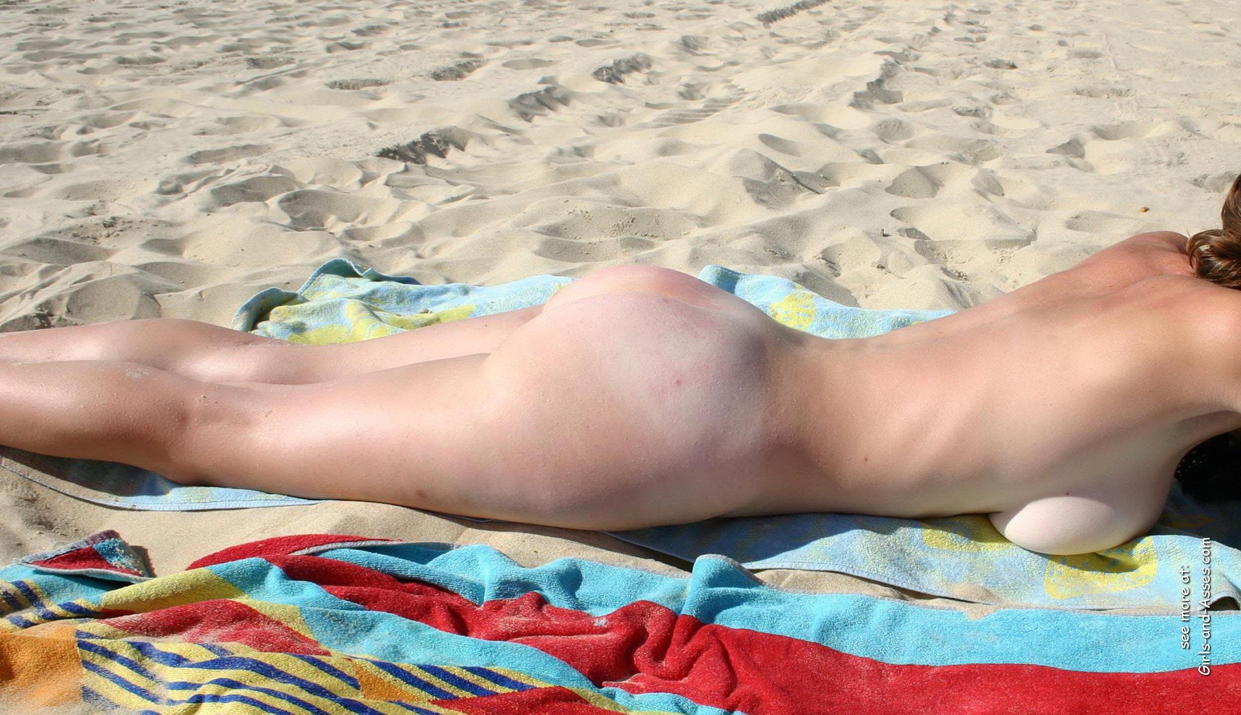 amatuer nude girl at the beach photography 01759