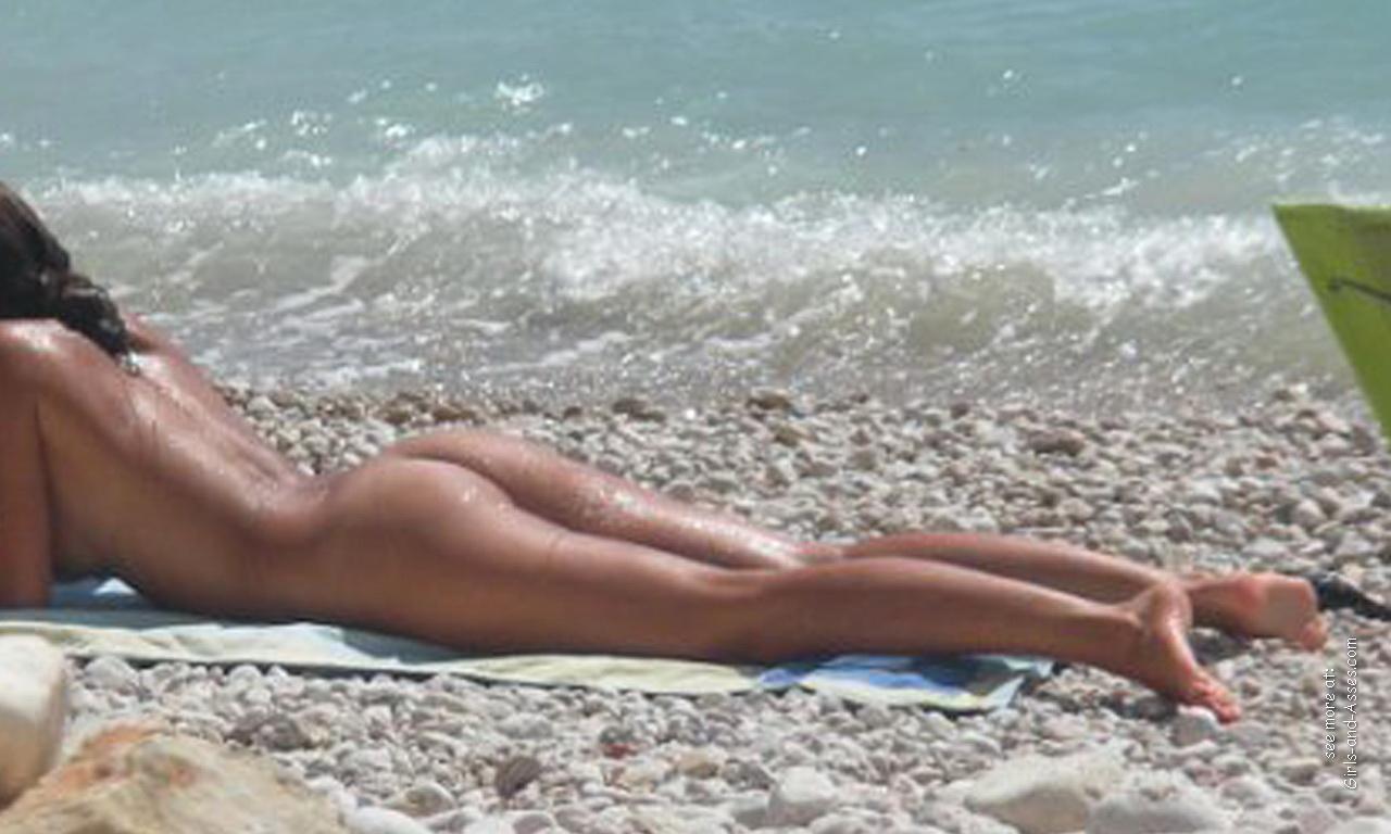 amatuer nude girl at the beach photography 02327