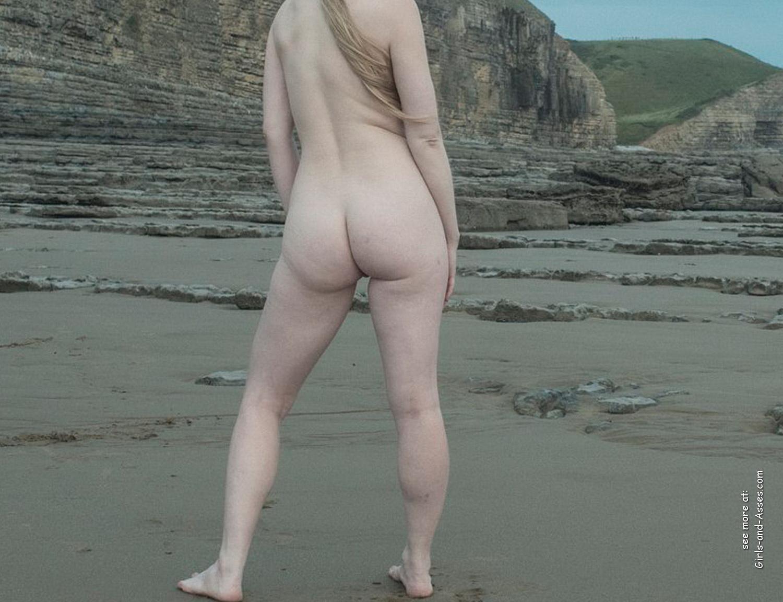 amatuer nude girl at the beach photography 03831