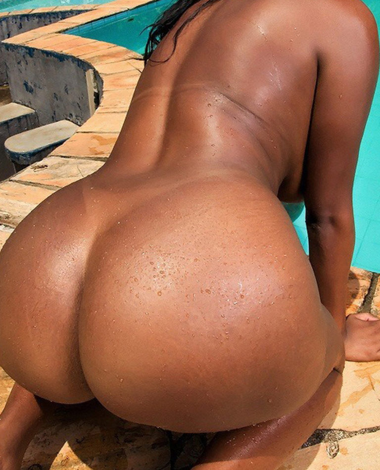 Big booty naked black women at the beach photo 01208