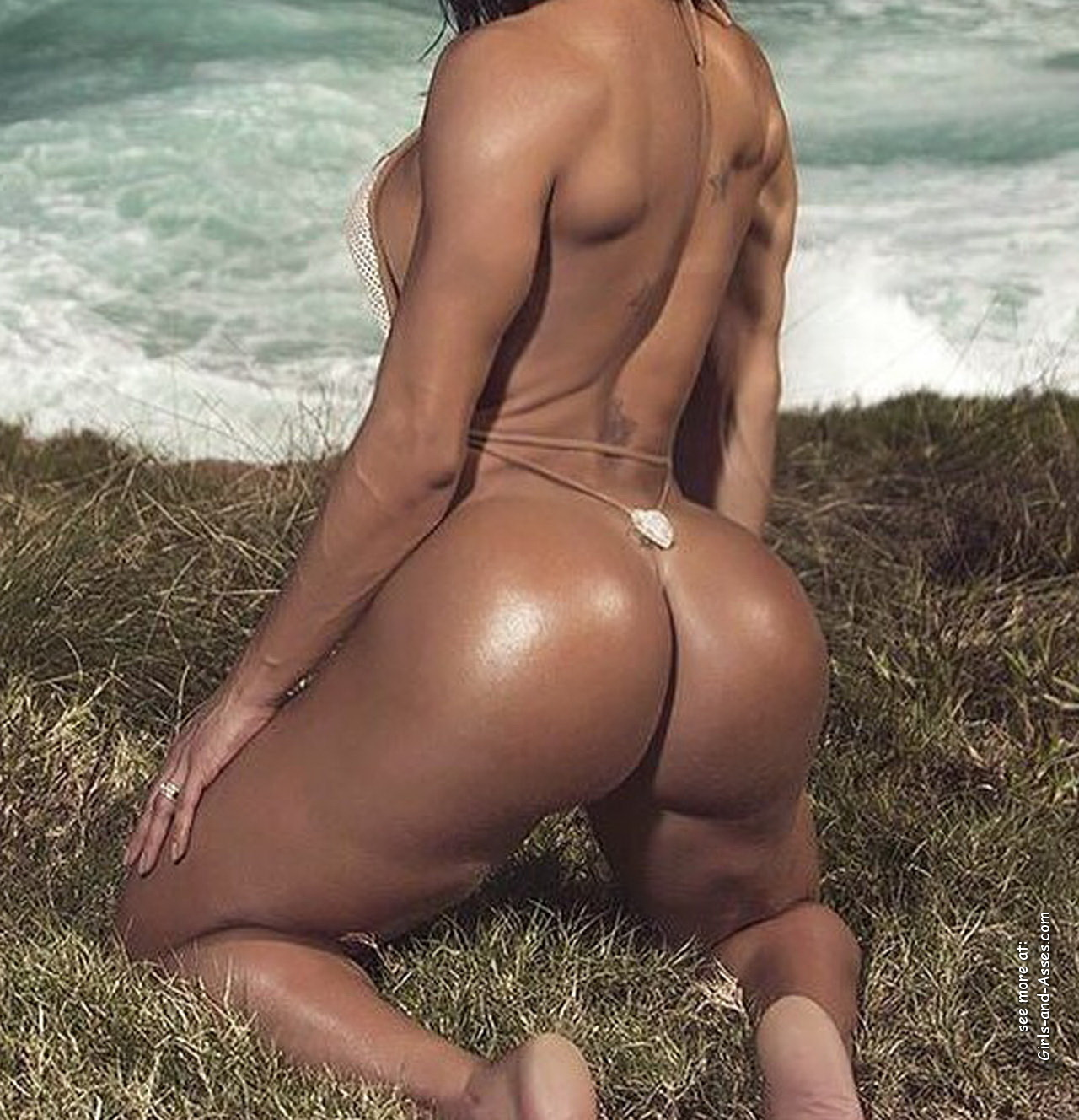 big booty naked latina women at the beach photo 02541