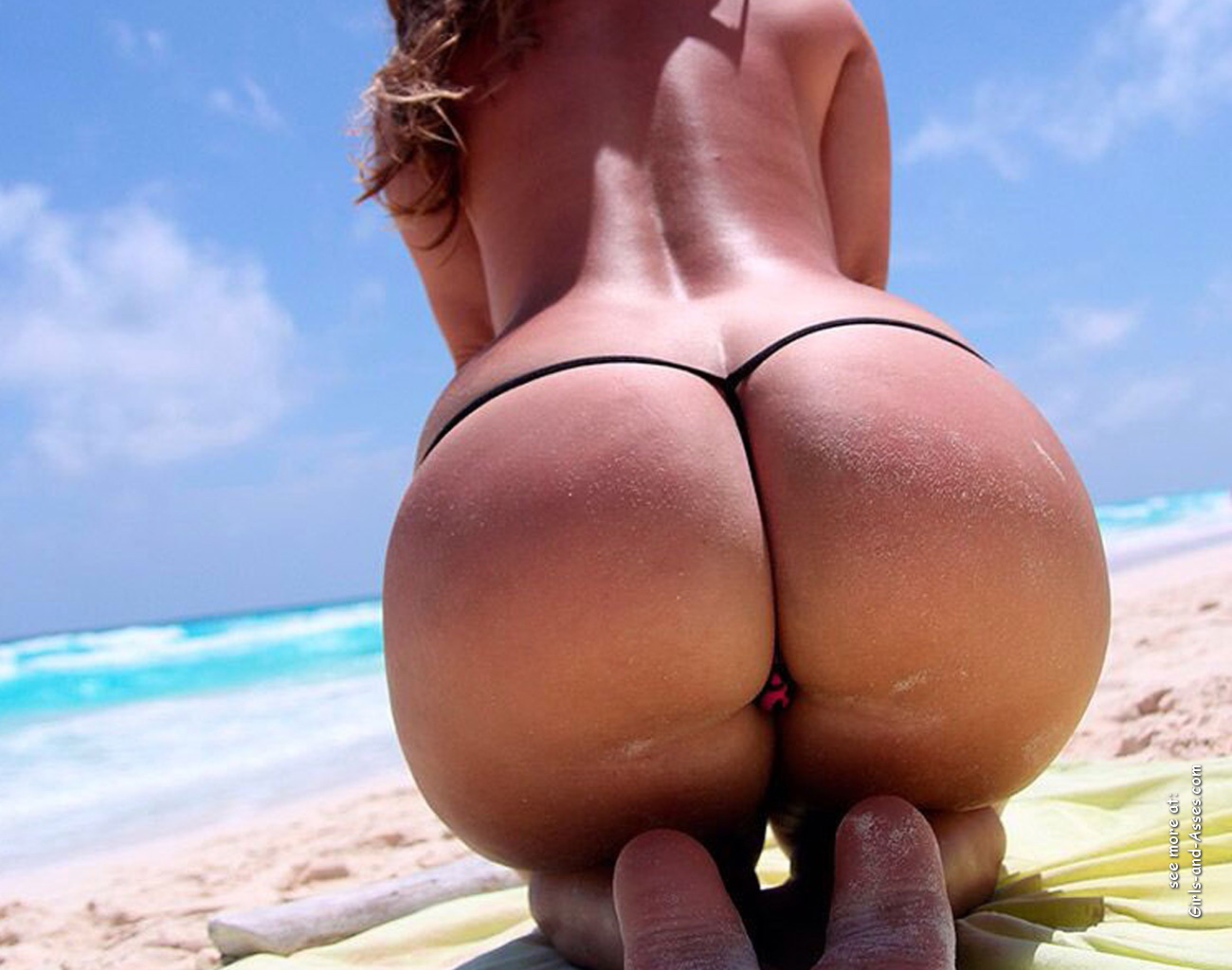 big booty naked women at the beach photo 00137
