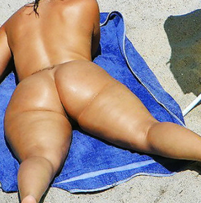 Big booty naked women at the beach photo 03042