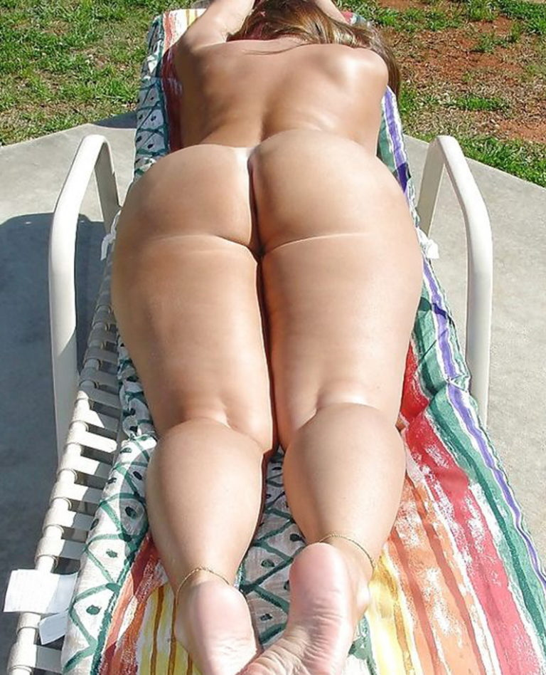 Naked sunbathing tanning on the beach pic 02946
