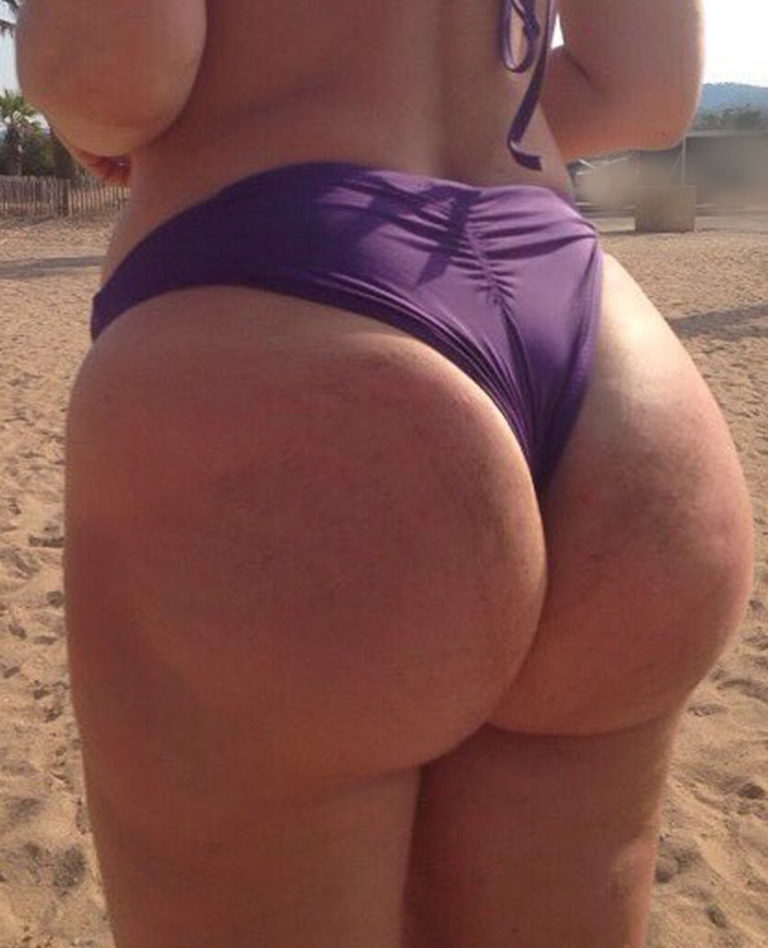 Pawg on the beach picture 00427