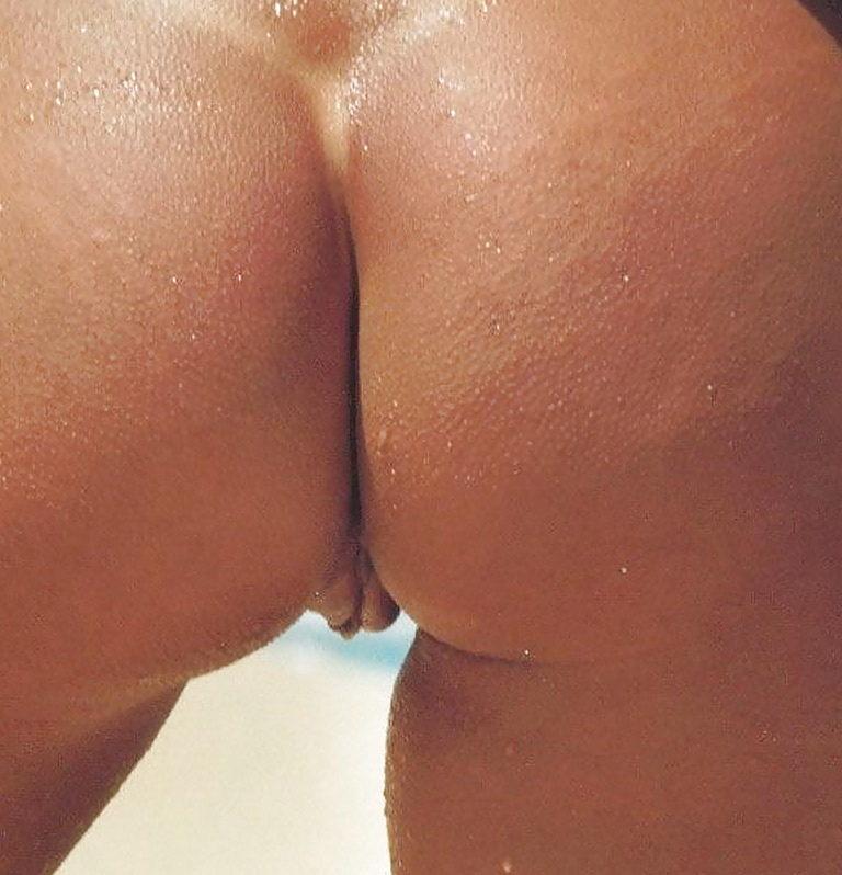 Sexy nude palg on the beach image 01242