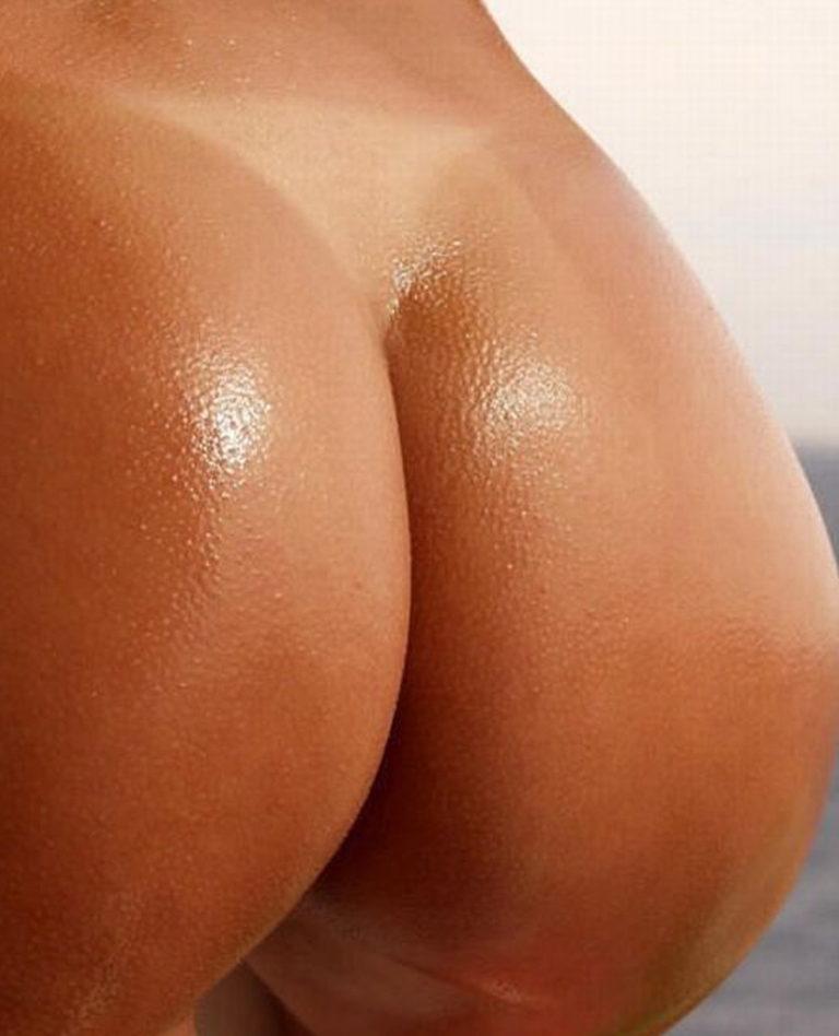 Sexy nude palg on the beach image 02739