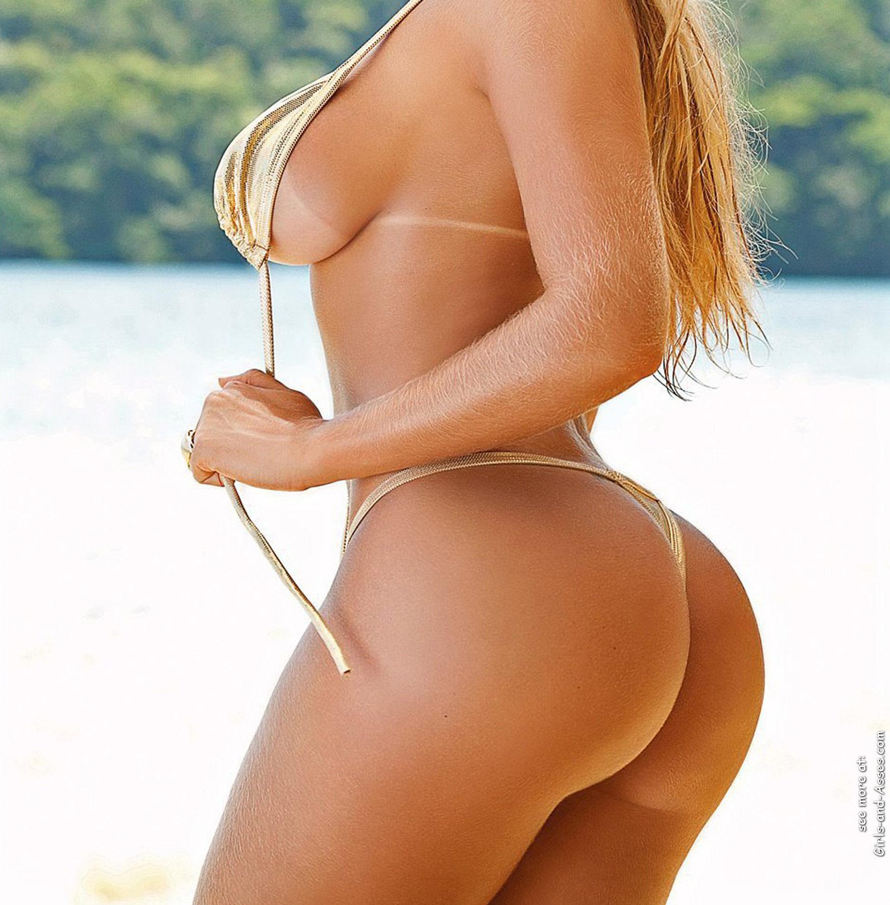 sexy palg on the beach image 00227