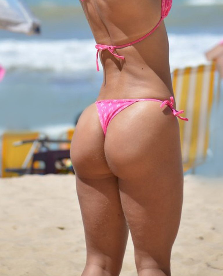 Sexy sport ass on the beach image 00321