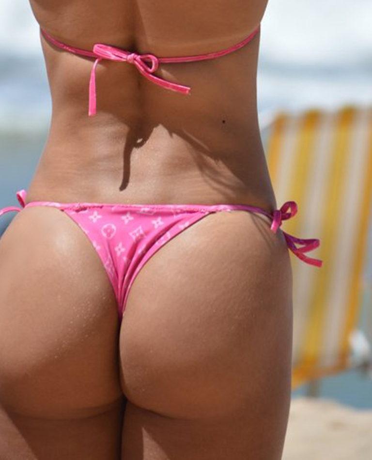 Sexy sport ass on the beach image 00421