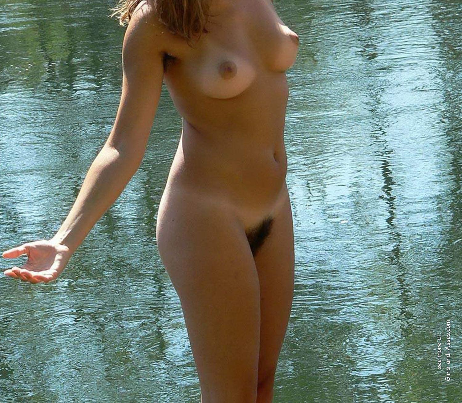 cute naked girl on the river photo 08017