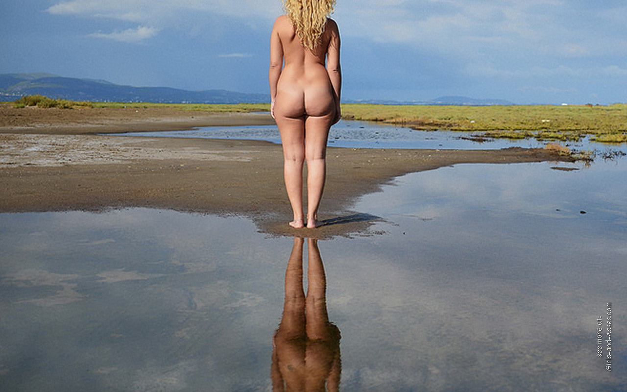 naked girl with big ass in a river picture 00430