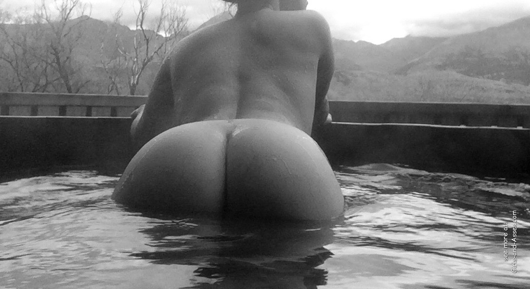 naked girl with big ass in a river picture 02534