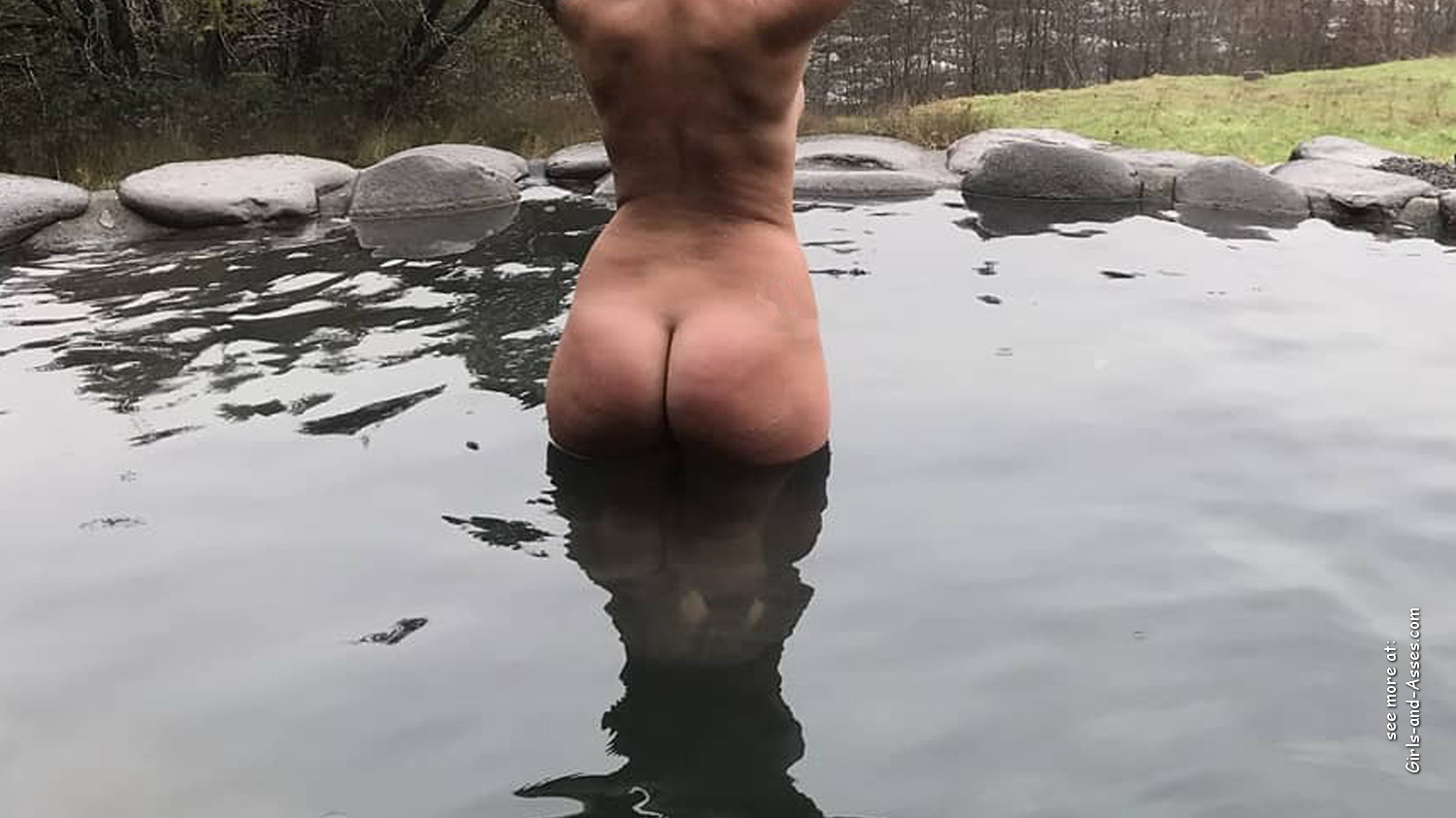 naked girl with big ass in a river picture 04939