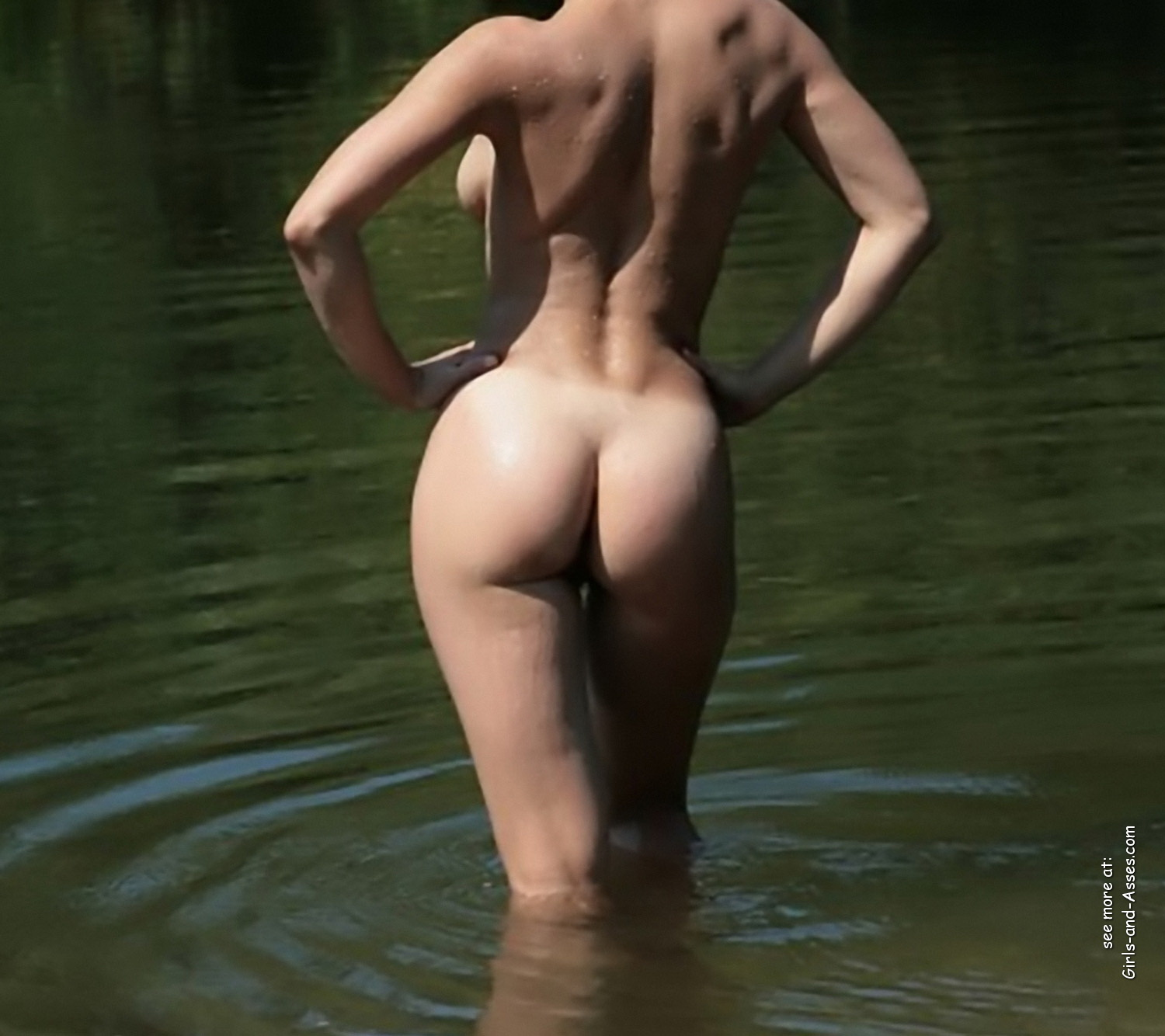 naked girl with cute butt on the river photo 10244