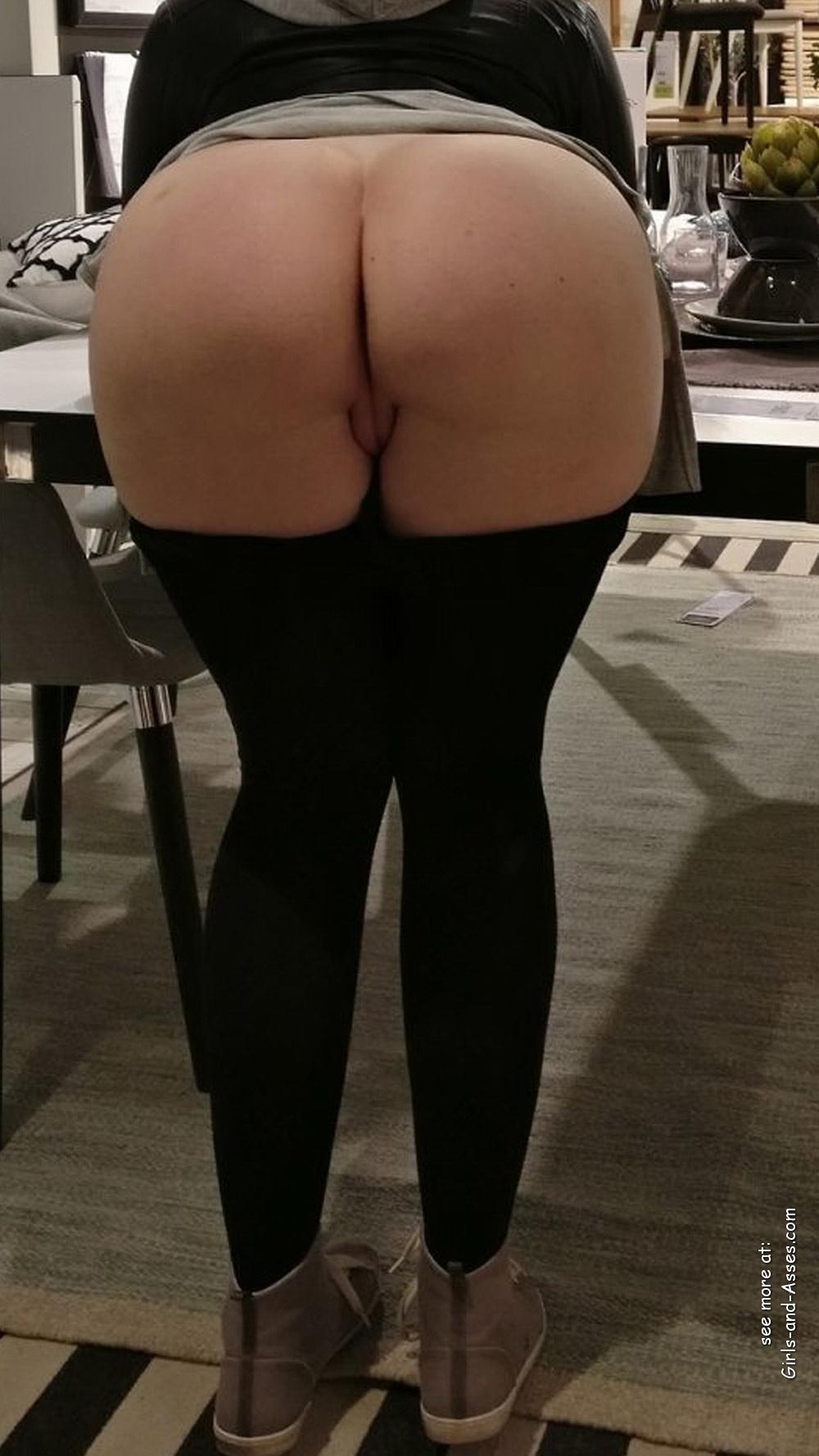 nude female backside in public photo 00929