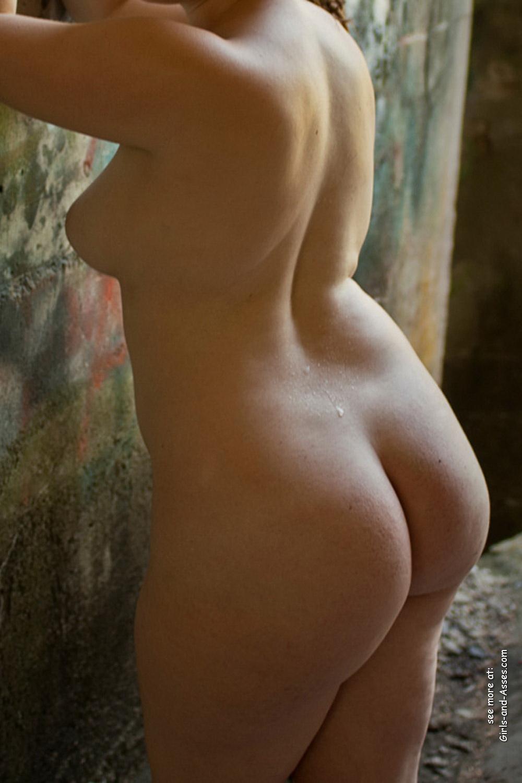 nude female backside in public photo 02628