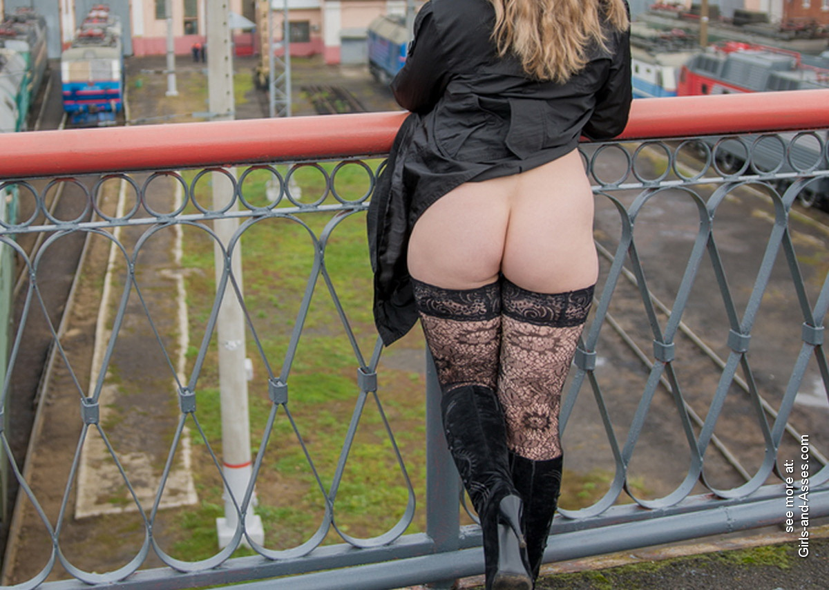 hot girl naked on the train tracks picture 01154