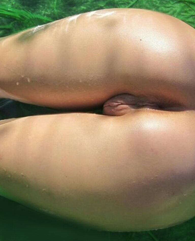 Beautiful naked ass by the pool photo 01944
