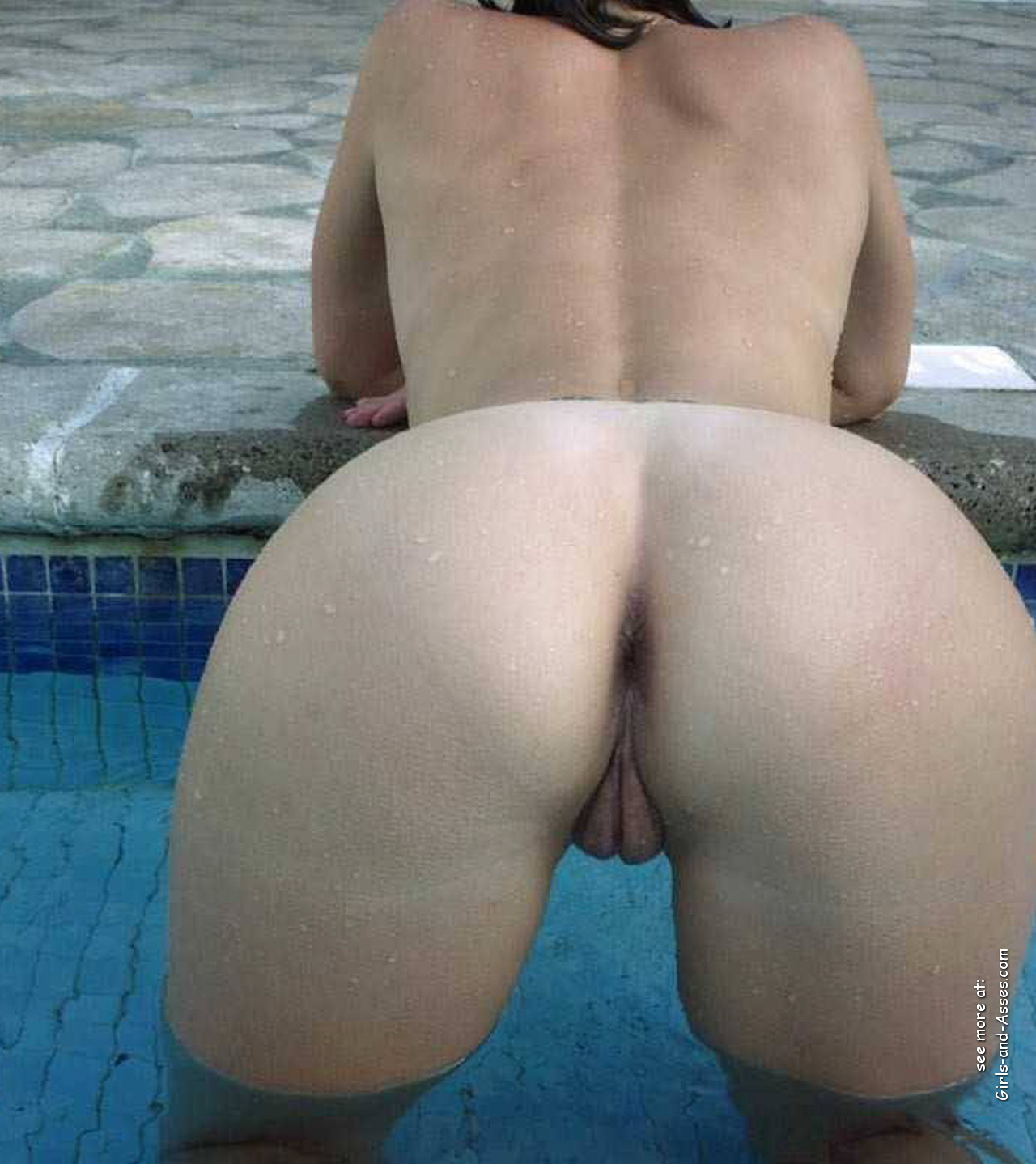 naked ass in doggystyle at the pool photography 01845